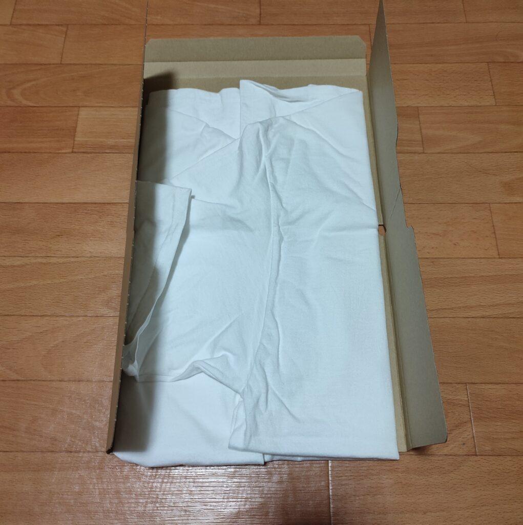 TATEMUでTシャツを畳んでいる画像